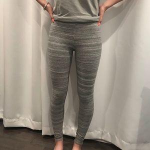 gray aritzia leggings